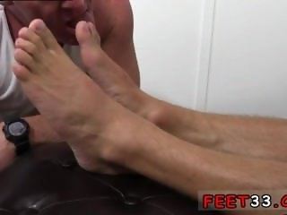 Videos porno de gays de guy foot Dev Worships Jason James' Manly Feet