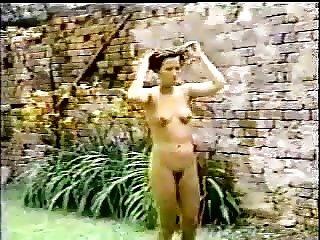 chicas desnudas bailando