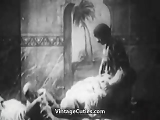 Crazy Arabian Bisexual Fucking Night (1920s Vintage)