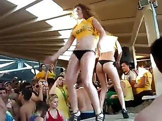 Mykonos dance girls!!