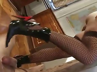 Black Boots, Red Heels Soejob