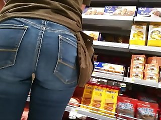 shop assistent's hot ass in tight jeans