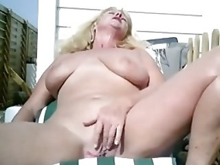 Webcam mature 03