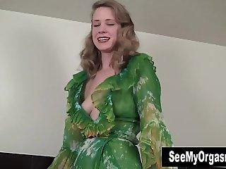 Elegant Carmen Masturbating