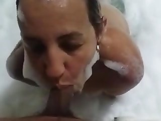 Granny sucking cock in a motel