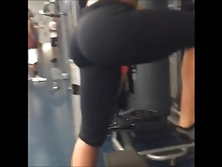 latina thick ass and thighs at the gym