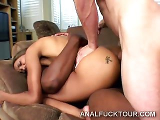 Gorgeous ebony babe tag team fucked with double penetration