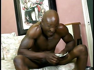 Guy with big dong fucks whore