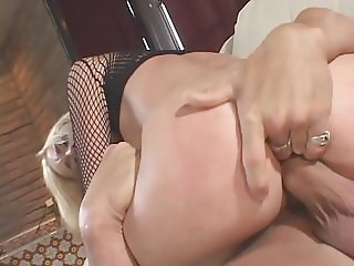 Blonde chick gets her ass stretched