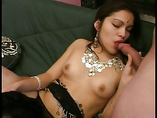 Indian hottie banged by 2 hard cocks