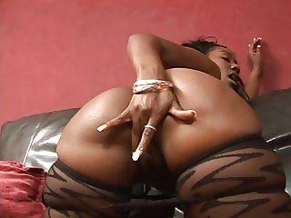 Ebony chick rubbing her pussy
