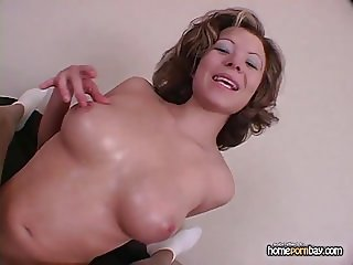 Handjob from busty amateur MILF in hot amateur porn 2