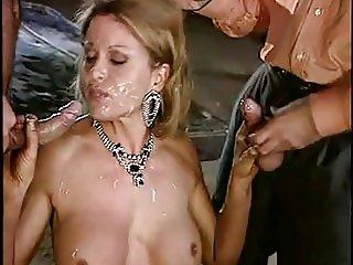 Luana BorgiaFrench wife fucked by two guys