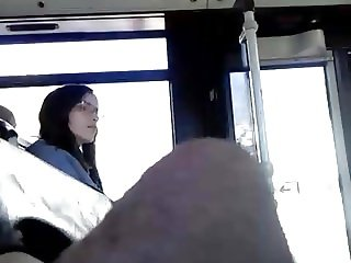 Paja en el bus,handjob at bus