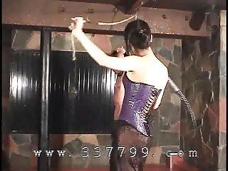 Japanese domina K use the whip to slavery
