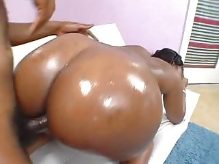 Faboulous big black ass babe massage