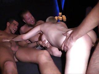 Big Tits Mila Milan wil meer pikken