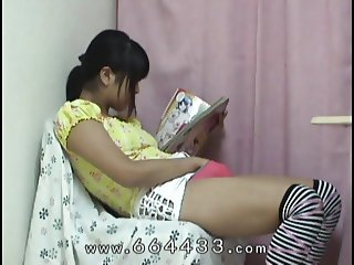 Iku Sakuragi masturbation by use toys.