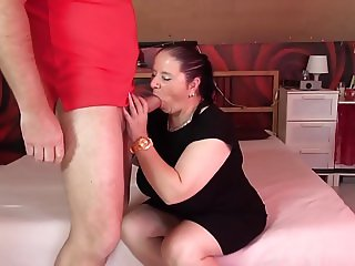 Mature chubby mom suck and fuck fat cock