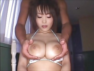 Kyonyuu Play with her big natural tits JPN Beauty (censored)