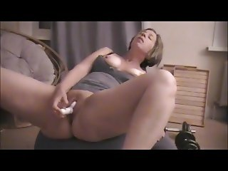 loud screaming orgasms of a hotwife milf soccermom