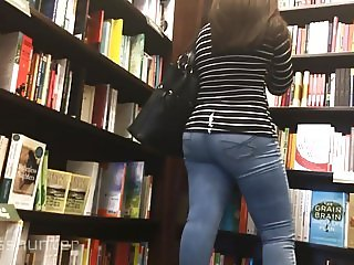 Beautiful Tight Jeans Milf gets lotioned!