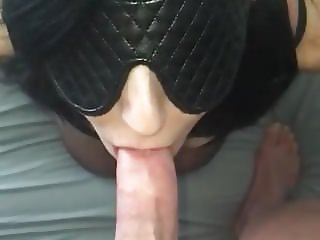 Phat Ass Nympho Sucks Cock With No Hands